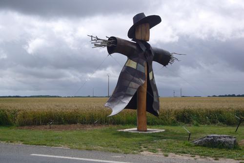 L'épouvantail du vent © Dumont